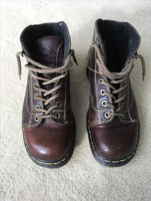 mens brown leather size 9 doctor martens boots coquitlam