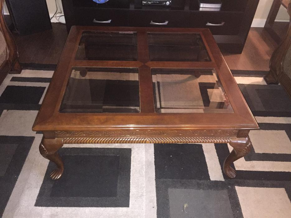 Coffee table and 2 end tables east regina regina for Coffee tables regina