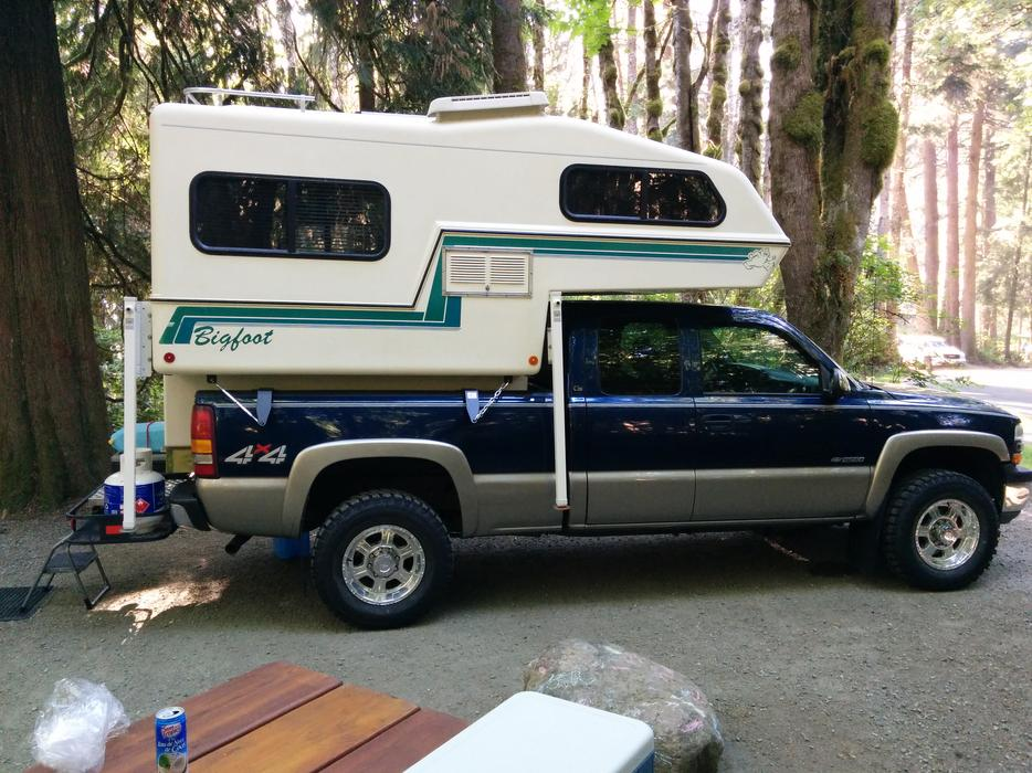 1993 C6 11 Bigfoot Import Midsize Truck Camper Saanich