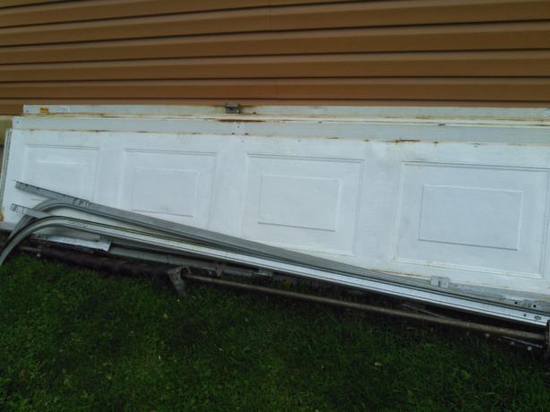 Garage door prince county pei for 9x7 garage doors for sale