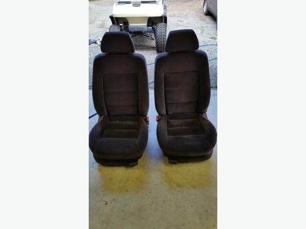 2000 VW PASSAT SEATS