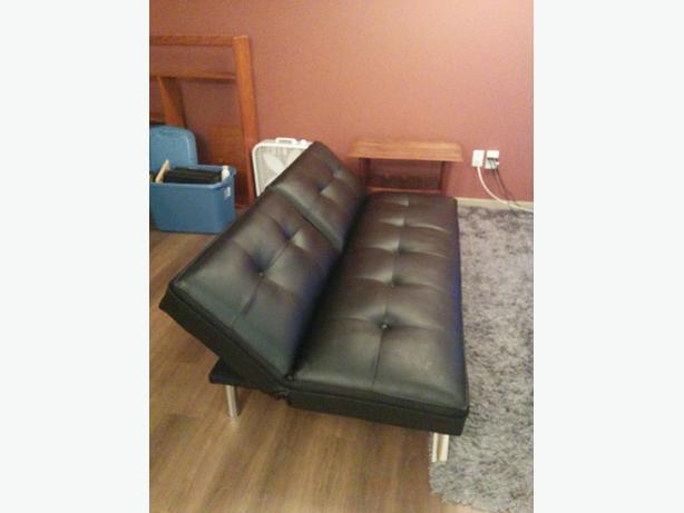 clik clak tufted sofa bed victoria city victoria. Black Bedroom Furniture Sets. Home Design Ideas