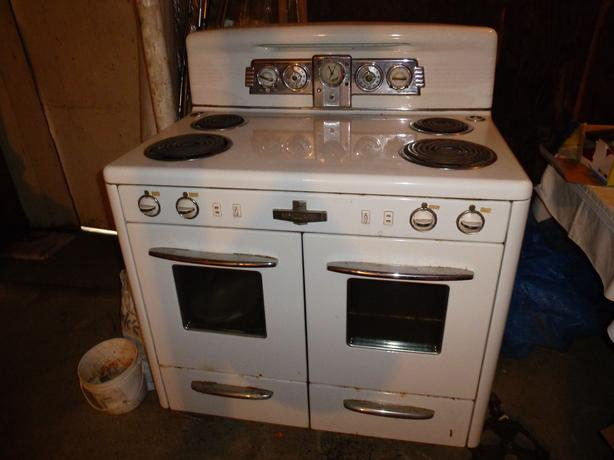 Vintage double oven stove