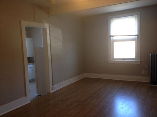 Bachelor Apartment with Rent Incentive