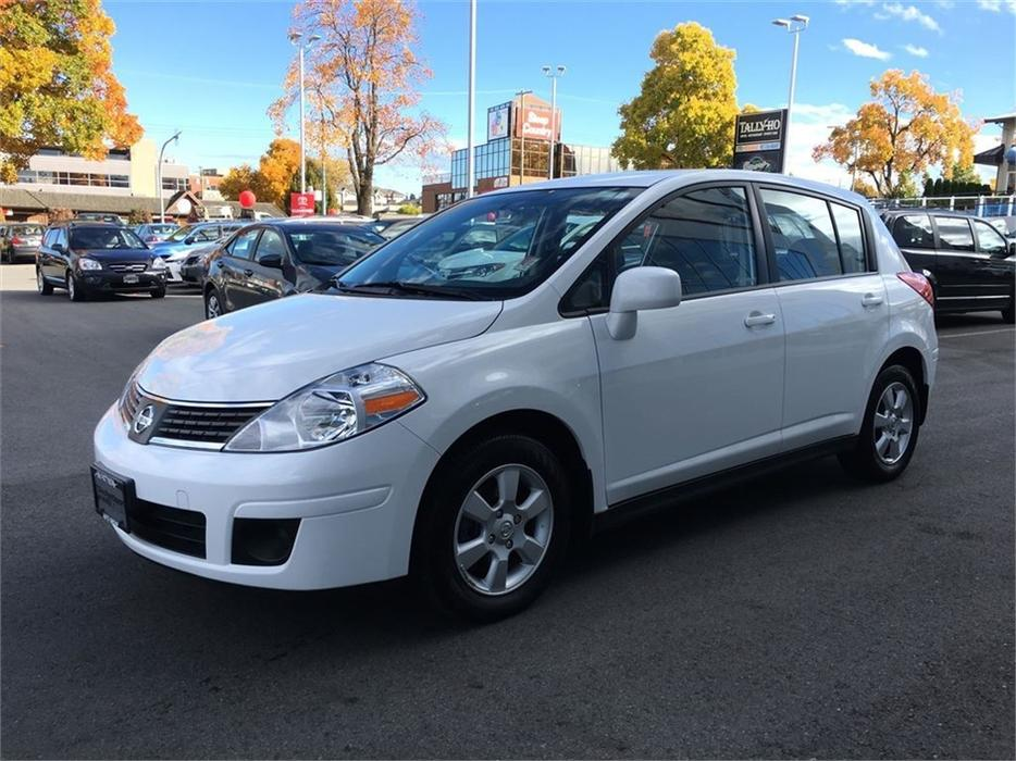 2007 nissan versa 1 8 s no accidents local b c victoria city victoria. Black Bedroom Furniture Sets. Home Design Ideas