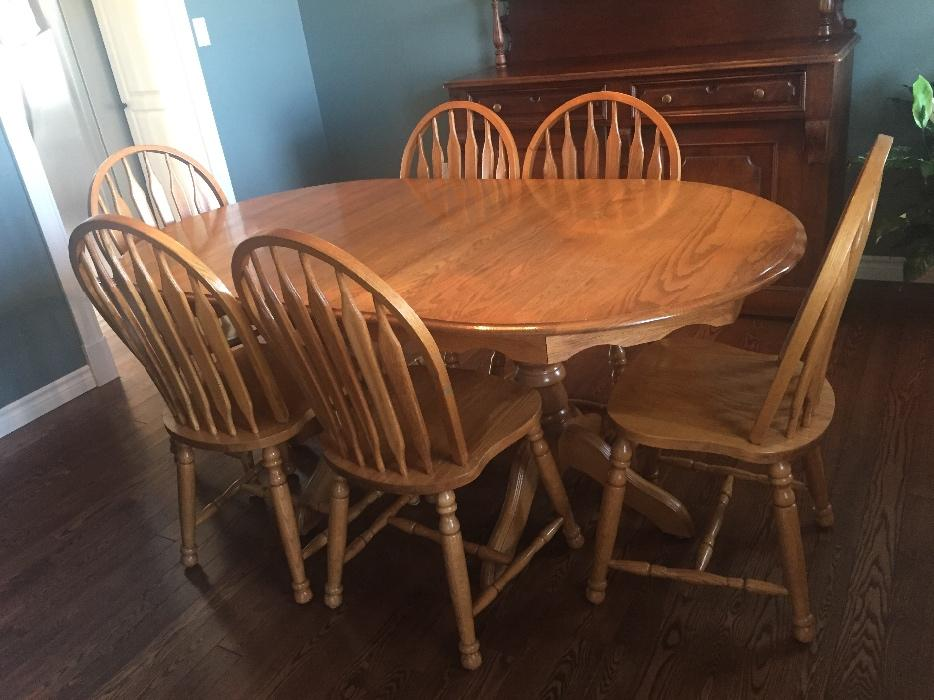 Solid Oak Oval Dining Table And 6 Chairs Summerside, PEI