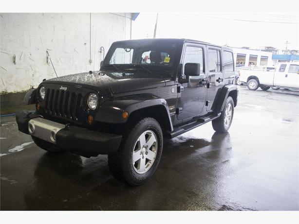 2011 Jeep Wrangler Unlimited Sahara 4X4 | HEATED SEATS