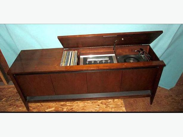 Beautiful Electrohome Record Player Cabinet Victoria City