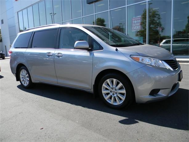 2011 Toyota Sienna LE AWD LOCAL B.C. SERVICE HISTORY