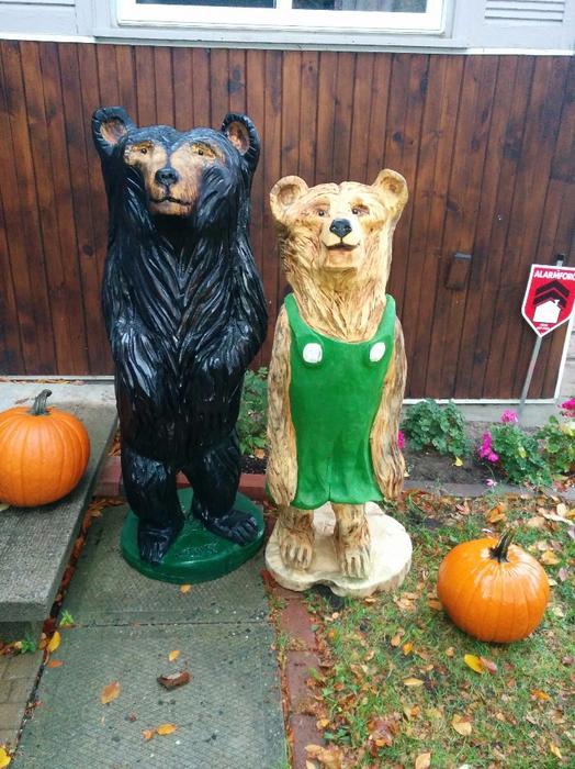 Chainsaw carved mama bear aylmer sector quebec ottawa
