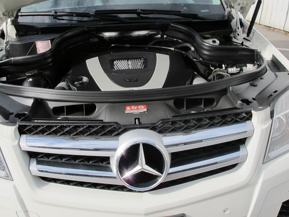 New price 15995 2010 mercedes benz glk class glk 350 for Mercedes benz glk 350 floor mats