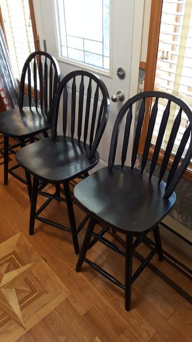 Swiveling Bar Stools X 3 West Shore Langford Colwood