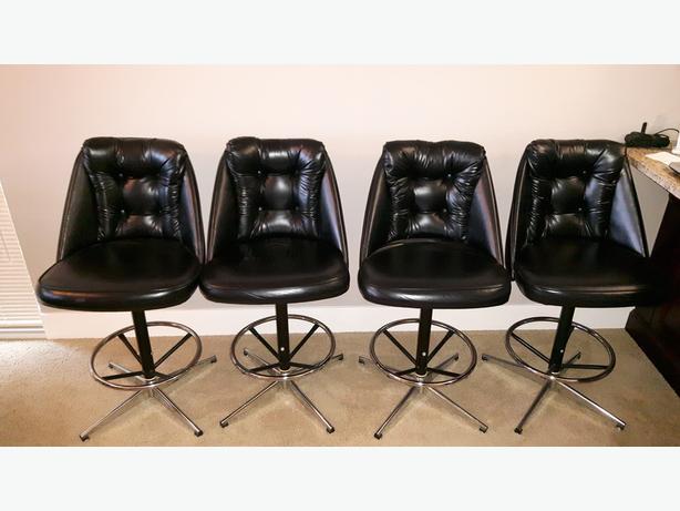 4 Black Leather Swivel Bar Stools South Nanaimo