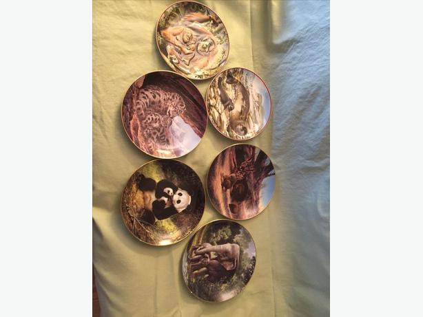 ENDANGERED SPECIES WORLD WILDLIFE FUND COLLECTOR PLATES