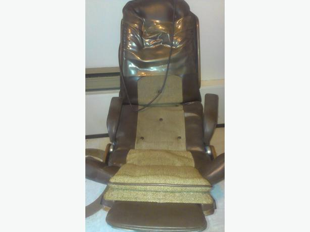 Older Dental  Chair