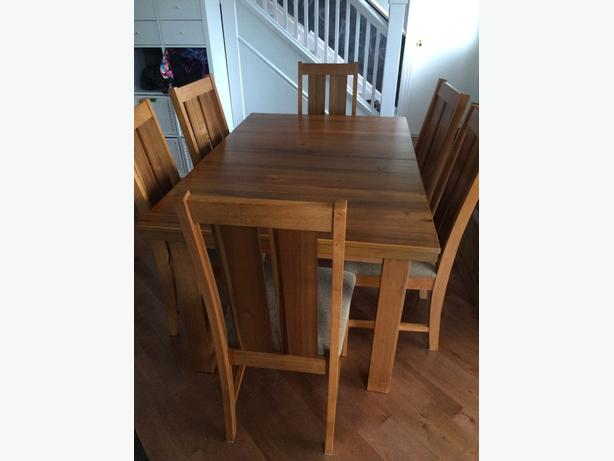 Gorgeous solid wood dining table 6 quality chairs leaf for Quality wood dining tables