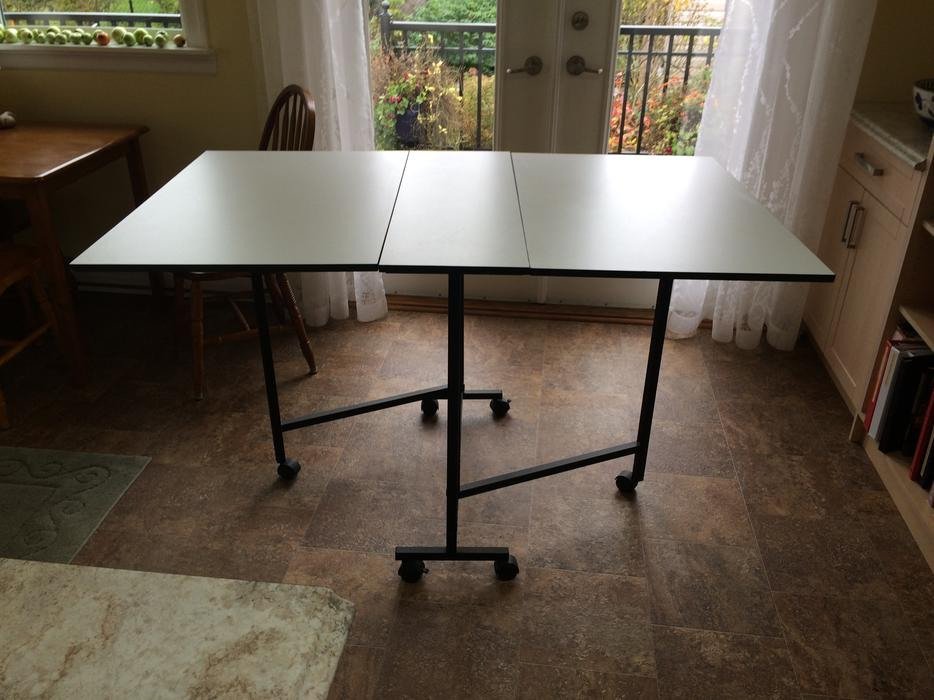 Folding Crafting Or Sewing Cutting Table Saanich Victoria