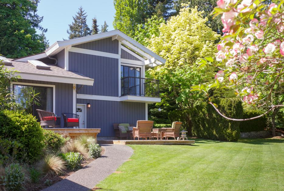 Acre country estate close to town saanich victoria for 7 summerland terrace