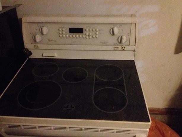 Flat Top Electric Stove ~ Electric flat top stove malahat including shawnigan lake