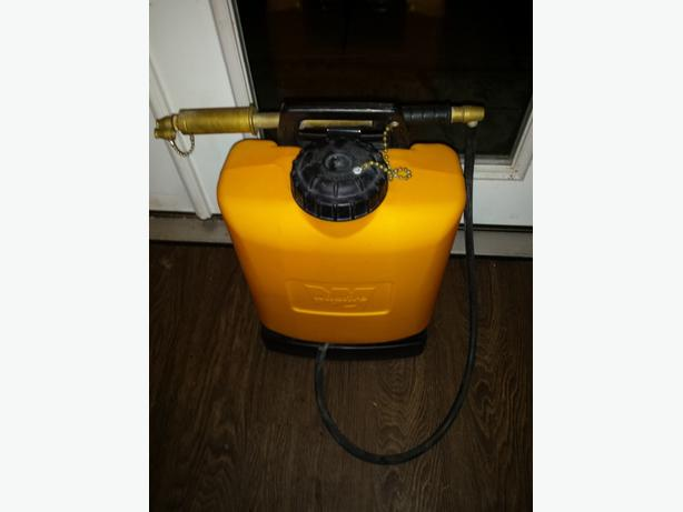Wildfire hand pump fire extinguisher