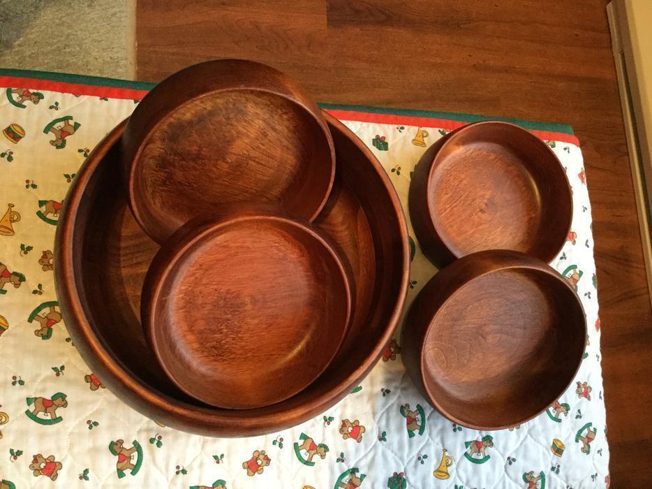 Priced to sell vintage baribocraft wooden salad bowl set