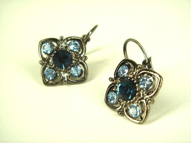 Blue Crystal Rinestone Leverback Earring (02032719)