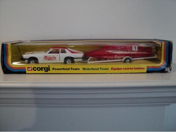 1979 Corgi Carlsberg Beer Jaguar Powerboat Team in Box