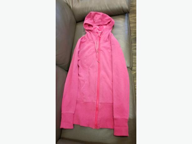 pink lululemon hoodie size lrg