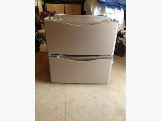 Kenmore washer/dryer Pedestals
