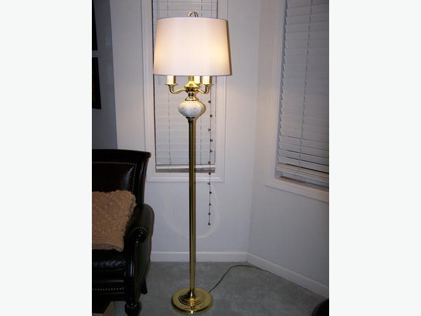 matching floor lamp w table lamp set. Black Bedroom Furniture Sets. Home Design Ideas