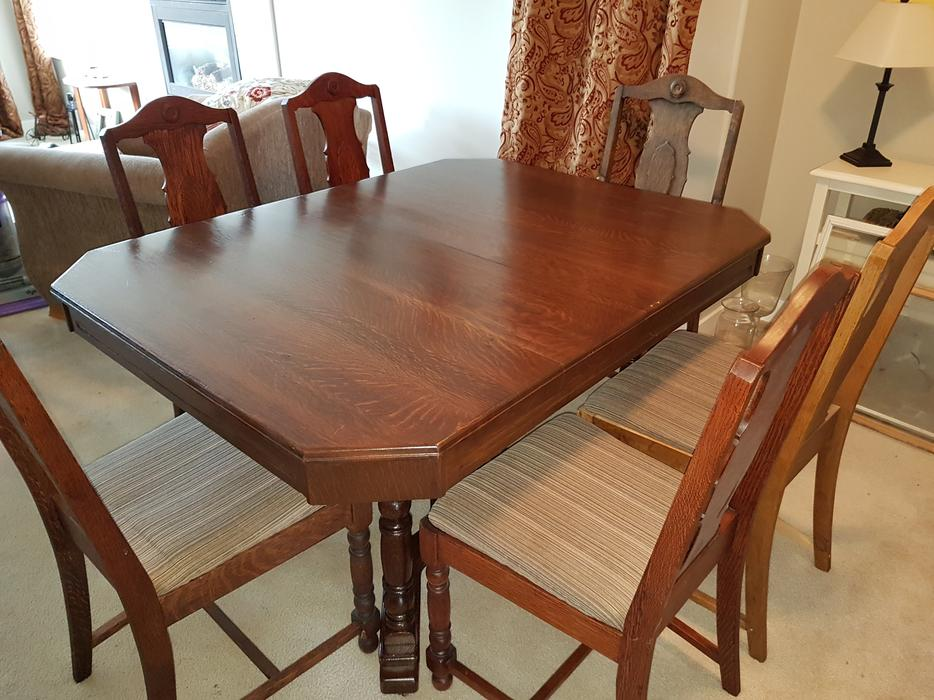 Solid oak dining room table 6 chairs maple bay cowichan for Dining room tables kelowna