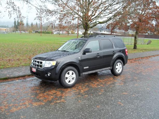 2008 FORD ESCAPE V6- CALL HART AT 250 724 3221