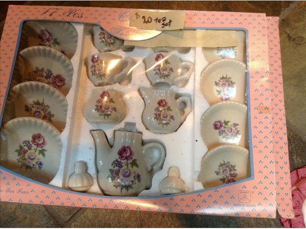 17 piece tea set for your doll
