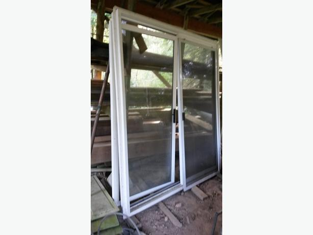 Vinyl sliding glass door outside victoria victoria for Six foot sliding glass door