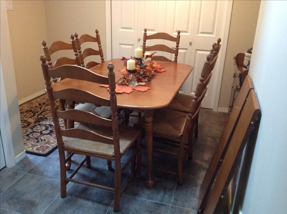 Maple Dining Set By Vilas39 Candlelight39 Cobble Hill Cowichan