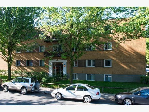 Disp. maint. Joli  4 1/2 Cote-des-Neiges Appartements District C.D.N.. Avail. n