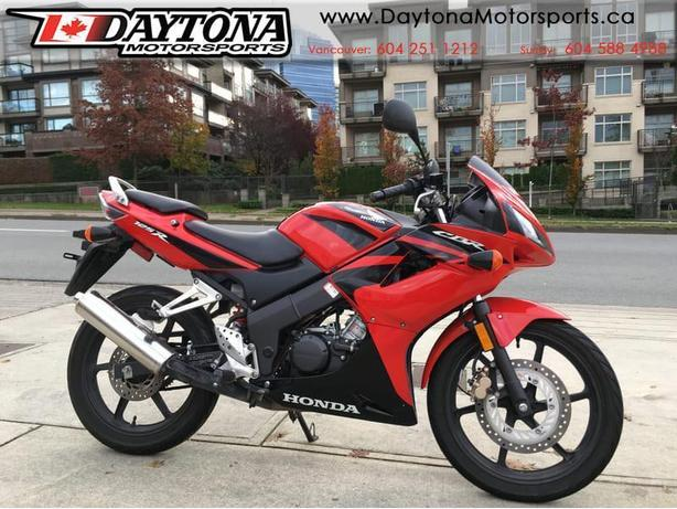 * SOLD * 2007 Honda CBR125R Sport Bike  * LOW KMS!  SERVICED! *