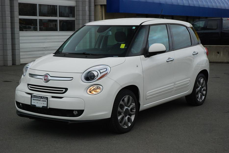 2014 fiat 500l sport was 24 990 now 17 975 outside. Black Bedroom Furniture Sets. Home Design Ideas