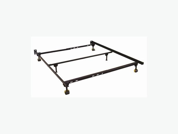 Metal Beds Queen Size Bed Frame Queen Size Industrial Bed: FREE: Queen Size Metal Bed Frame Victoria City, Victoria
