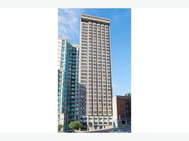 Avail. Dec  Gorgeous  1 bedroom Centre-ville Le 2250 Appartements. Disp. Dec  J