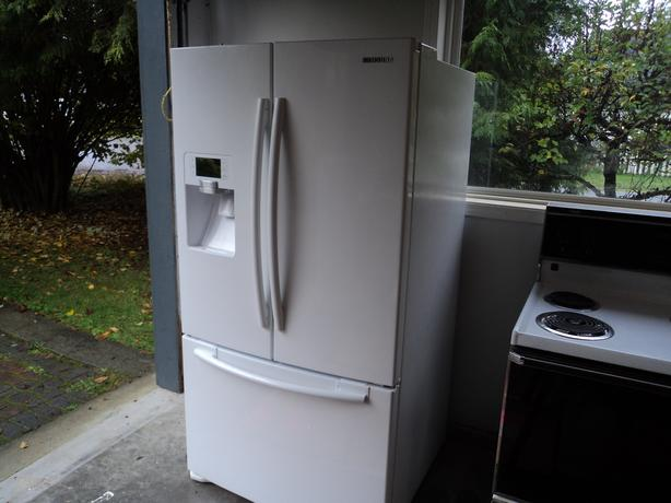 Samsung 29 cu ft White Fridge