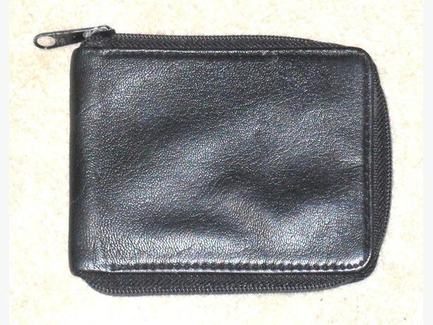 Men's Black Genuine Leather Bi-Fold Wallet