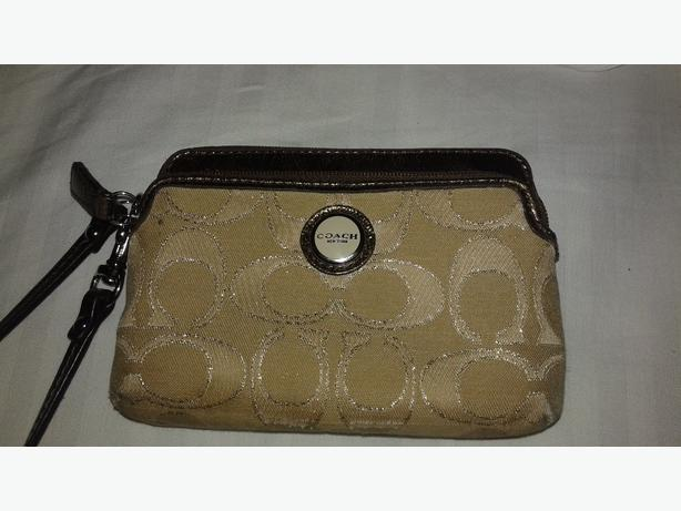 selling my coach wallet