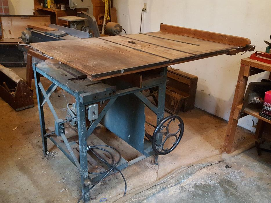 Large Table Saw Qualicum Parksville Qualicum Beach