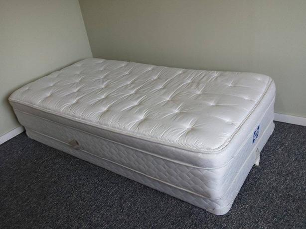 Twin Box Spring And Mattress Comox Courtenay Comox