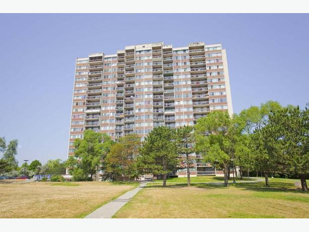 Avail. now Must see  3 bedrooms Mississauga Park Royal Village Apartments