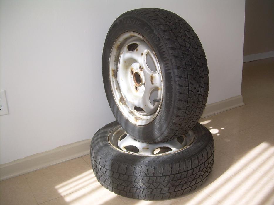 winter tires 175 65 r14 2pcs pneus d hiver 175 65 r14 2pcs hull sector quebec gatineau. Black Bedroom Furniture Sets. Home Design Ideas
