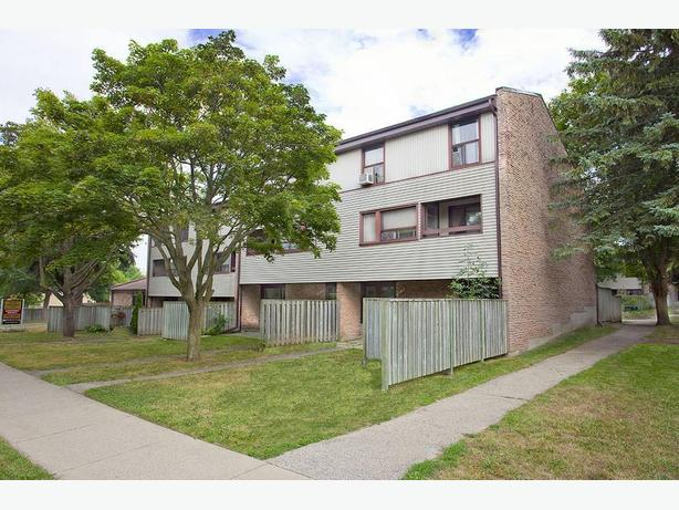 Avail. Jan    2 bedrooms Waterloo Churchill Townhomes