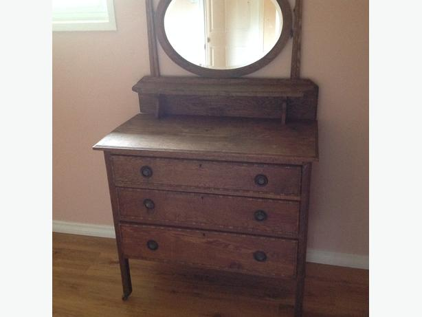 dresser with oval  mirror