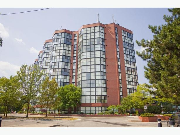 Avail. Dec  Cute  1 bedroom Mississauga Somerset Place Apartments